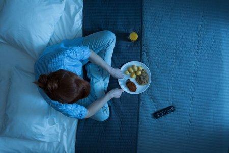 Кошмарний вечерю? як їжа впливає на сон