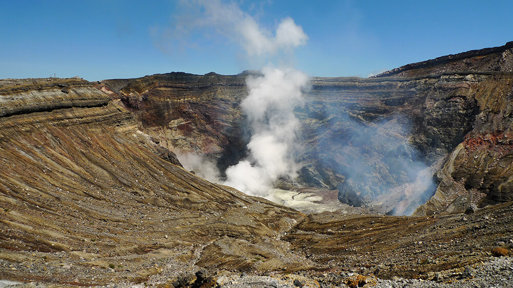New Study Explains Formation of Volcano Clusters