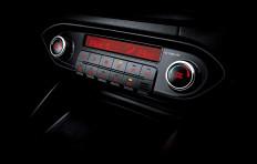 كارنس - Dual-zone full auto climate control