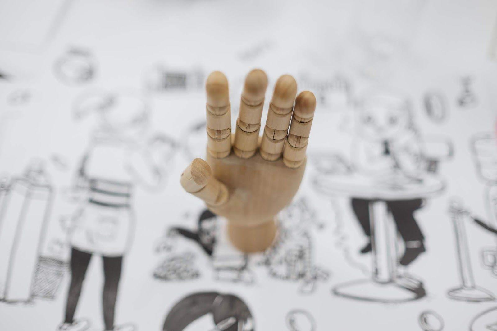 Terapie prin arta si violenta domestica mana