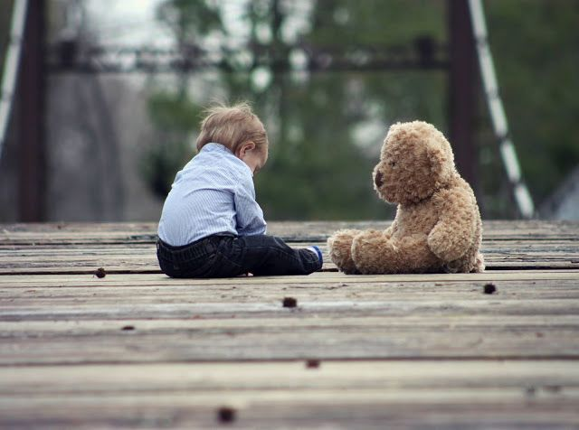 Terapie prin arta - Empatia in terapia diadica ursulet copil