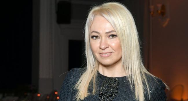 «Не собираюсь есть со сковородки»: Рудковская ответила критикующим ее подписчикам