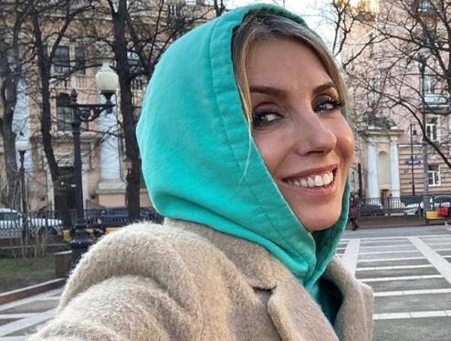 51-летняя Светлана Бондарчук показала подписчикам, как выглядела через две недели после родов