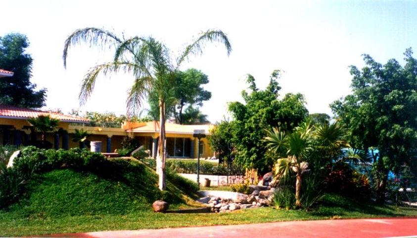 Arquitectura-De-Paisaje-Foto-Diseno-Jardin-Fraccionamiento-01_uef3wu