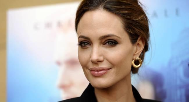 С детьми, но без мужчины: Анджелина Джоли скромно отметила свой юбилей