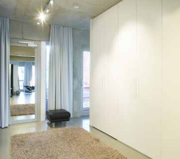 Otto von Berlin, apartment in white
