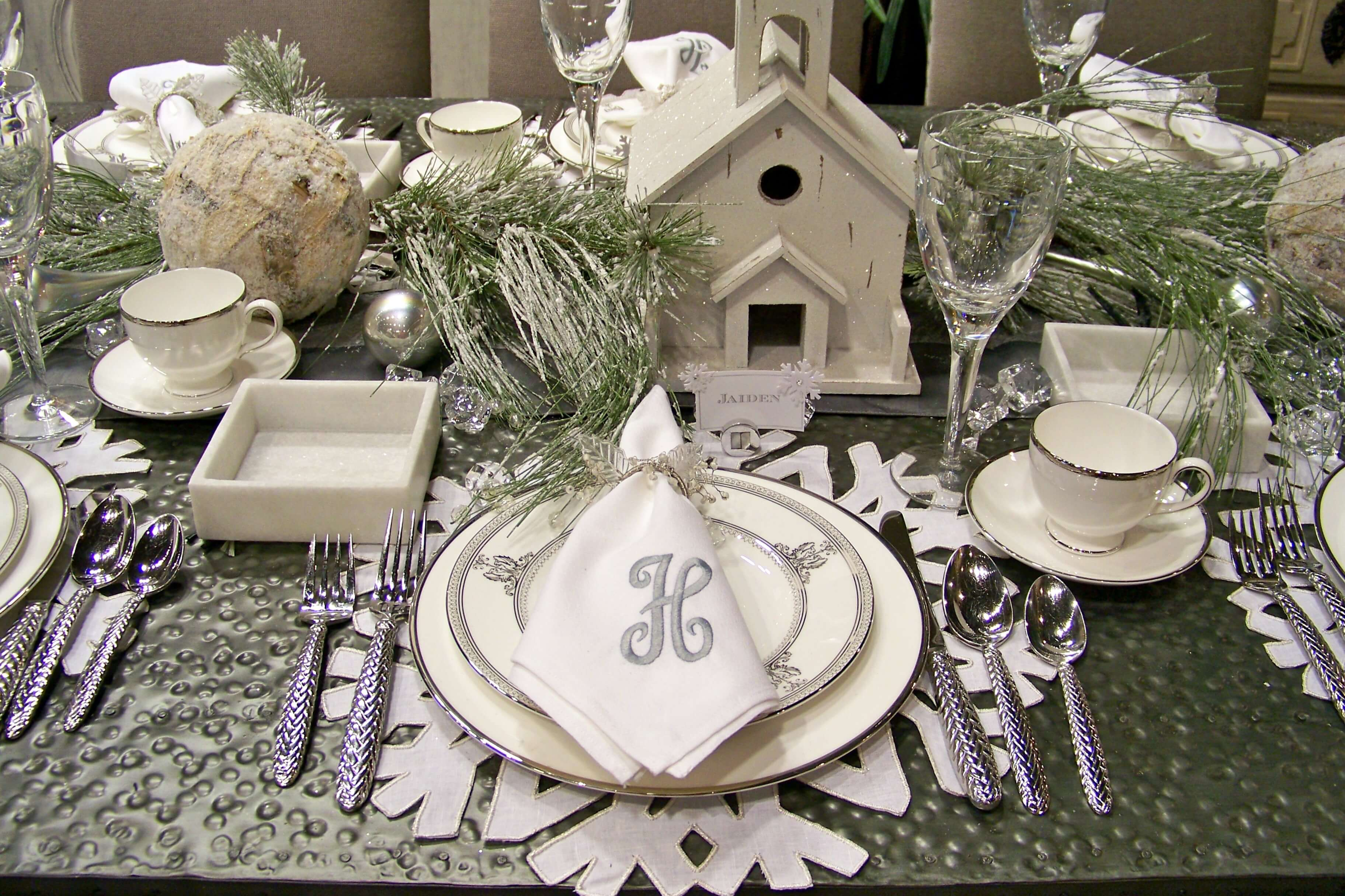 Winter Scape Table Place Settings1