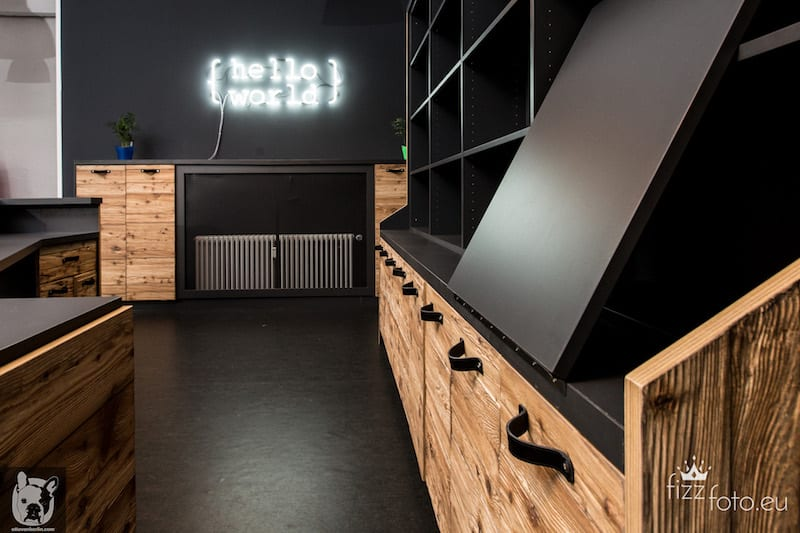 Dark Scandinavian interior design, Hello World