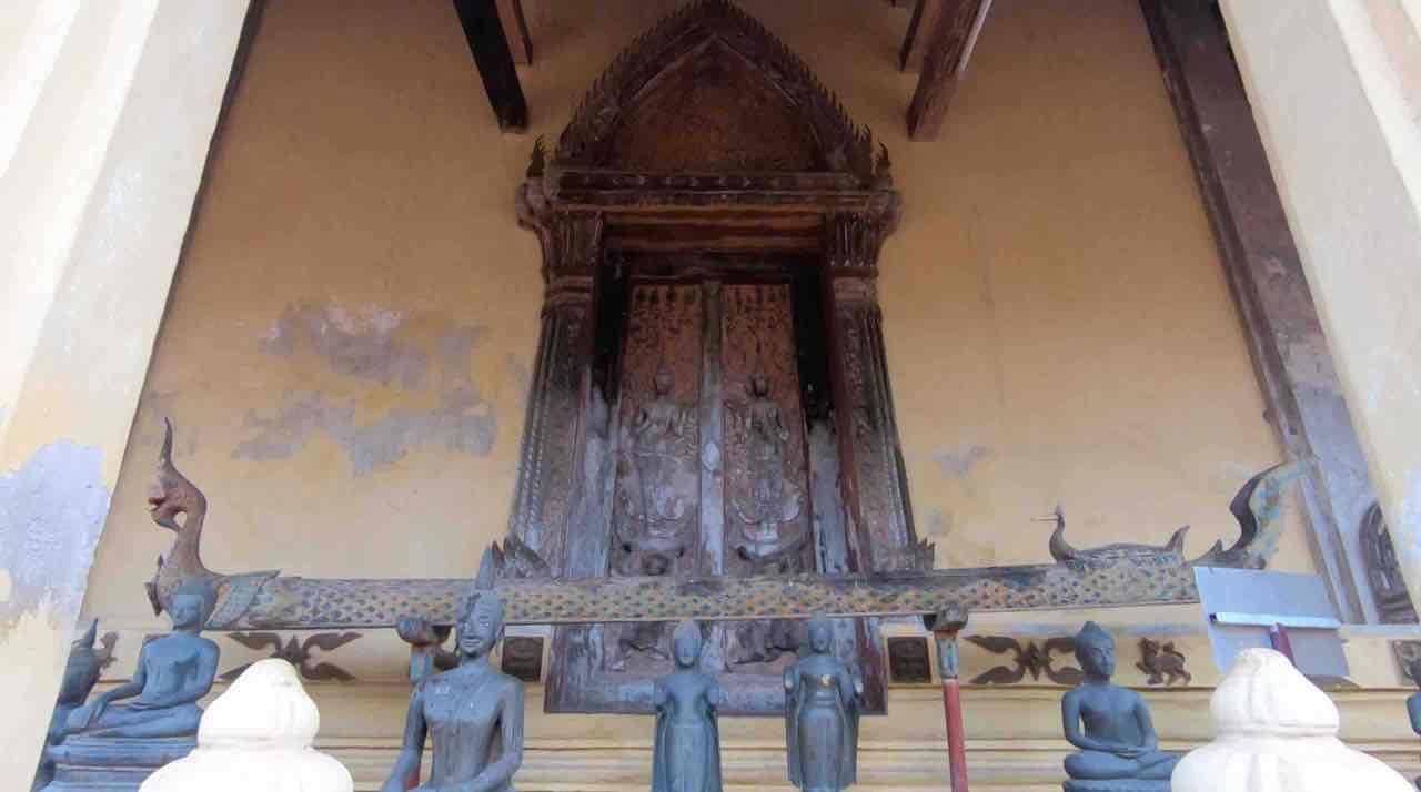 visiter le wat sisaket à Vientiane