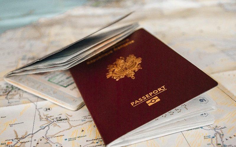quels documents je dois prendre pour voyager ou tour du monde