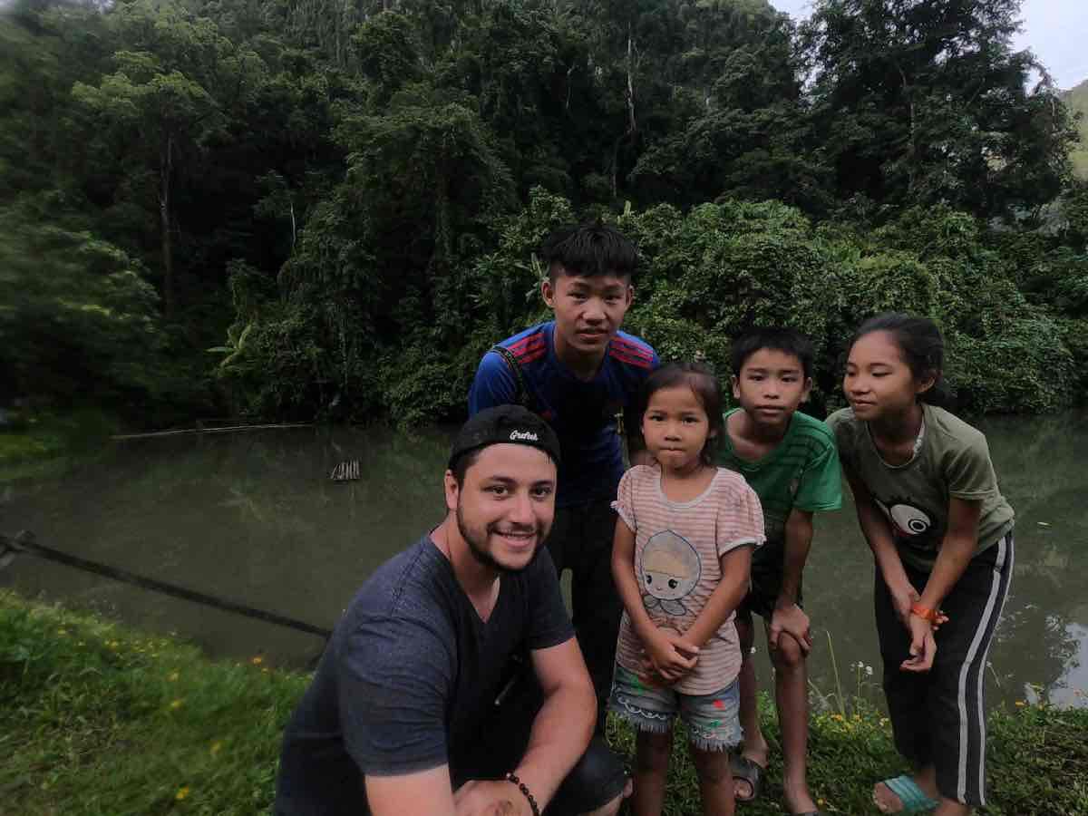 rencontre-laos-enfant