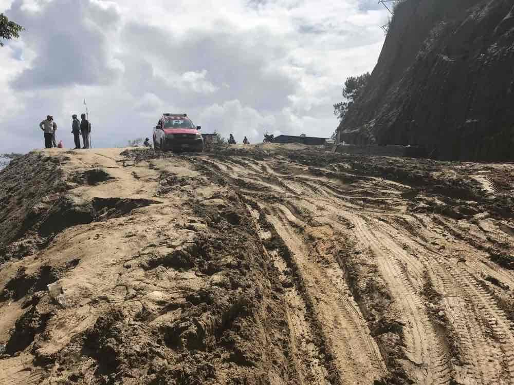 les routes pitoyables du népal