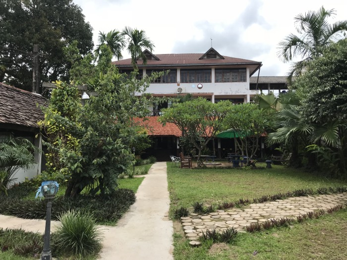 dormir Thakhek travel lodge Thakhek loop
