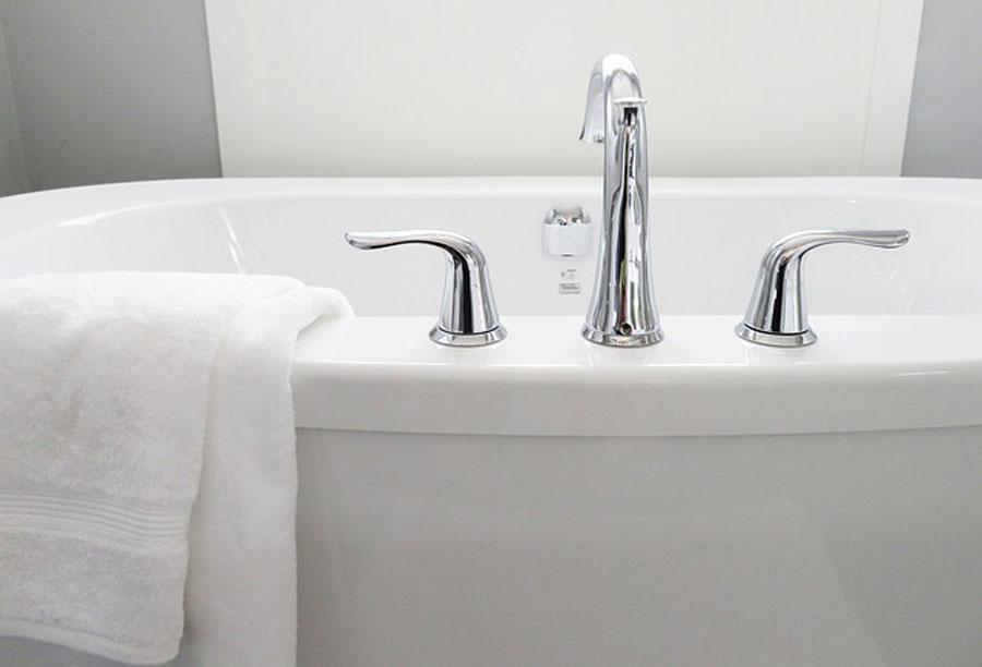 Alte Badewanne neu beschichten - Kosten & Preise