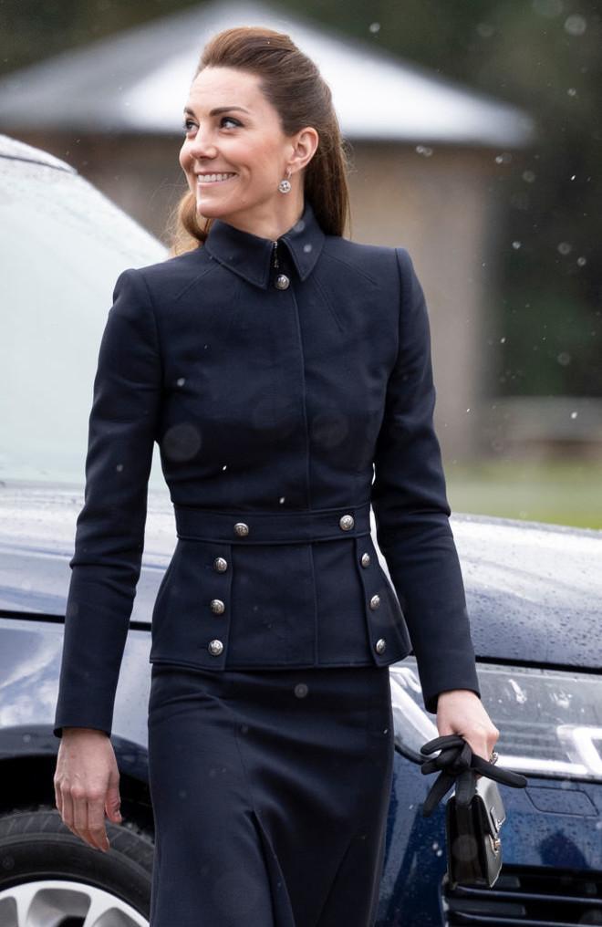 Это женоненавистничество! Кейт Миддлтон подает в суд на СМИ из-за сообщений об анорексии
