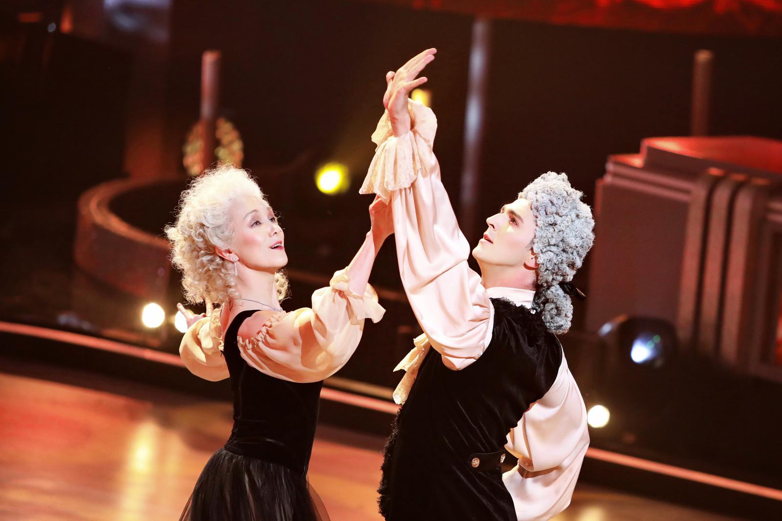 Дарья Мороз ушла из шоу «Танцы со звездами» по лепесткам роз и под звуки вальса