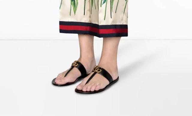 Самая модная обувь этого лета: 10 пар стильных вьетнамок