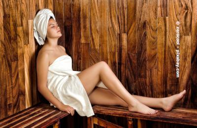 Unter bestimmten Umständen können auch Menschen mit Neurodermitis in die Sauna gehen.