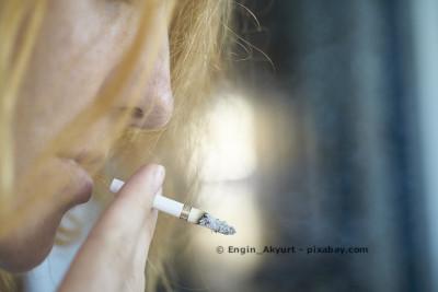 Raucher werden bei vielen Krebsversicherungen abgelehnt, doch gerade sie haben ein erhöhtes Krebsrisiko. Deshalb Tarifangebote genau vergleichen.
