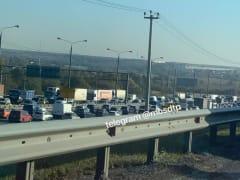 Трасса М-2 «Крым» застыла в огромной пробке