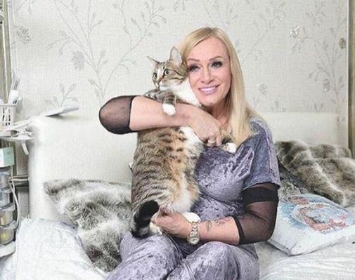 Певица Наталья Гулькина расплакалась перед Лерой Кудрявцевой