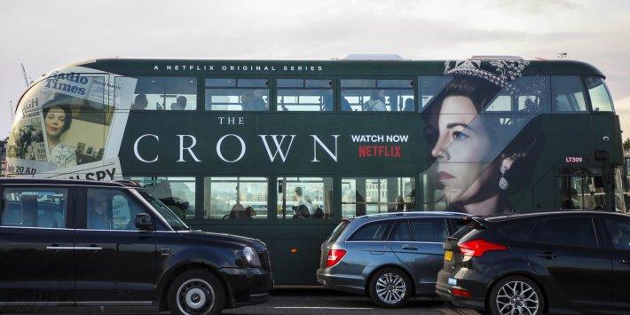 Kültür Sekreteri, Netflix'e 'Taç'a Uyarı Koymasını İzleyenlere Dramanın Kurgusal Olduğunu Söyledi