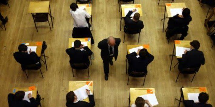 Yaz Sınavı Kaosu Değiştirilen GCSE Notlarının Sayısında% 900 Artış Gördü, Yeni Analiz Gösterileri