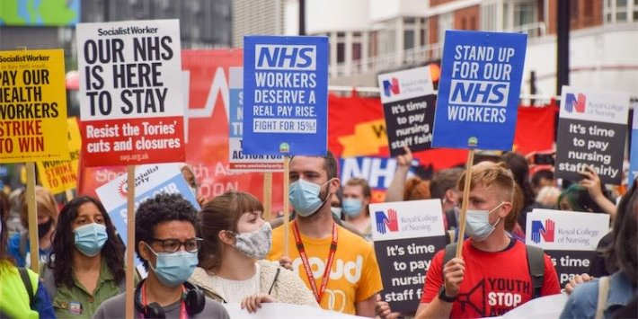 NHS Staff Offered 3% Pay Rise By Government After Shambolic Announcement Left Unions 'Furious'
