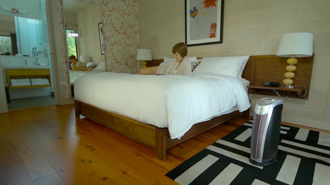 Finn UV-C air purifier in home bedroom