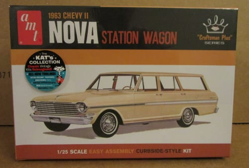 AMT 1202 1963 Chevy II Nova Station Wagon model kit