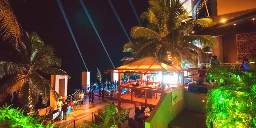 romantic-restaurant-nyex-beach-club-goa