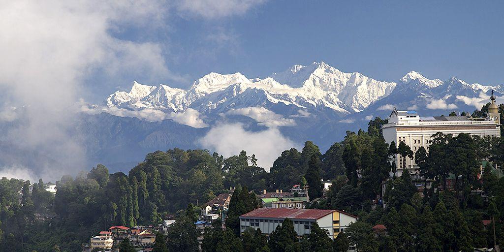 darjeeling hills stations near kolkata