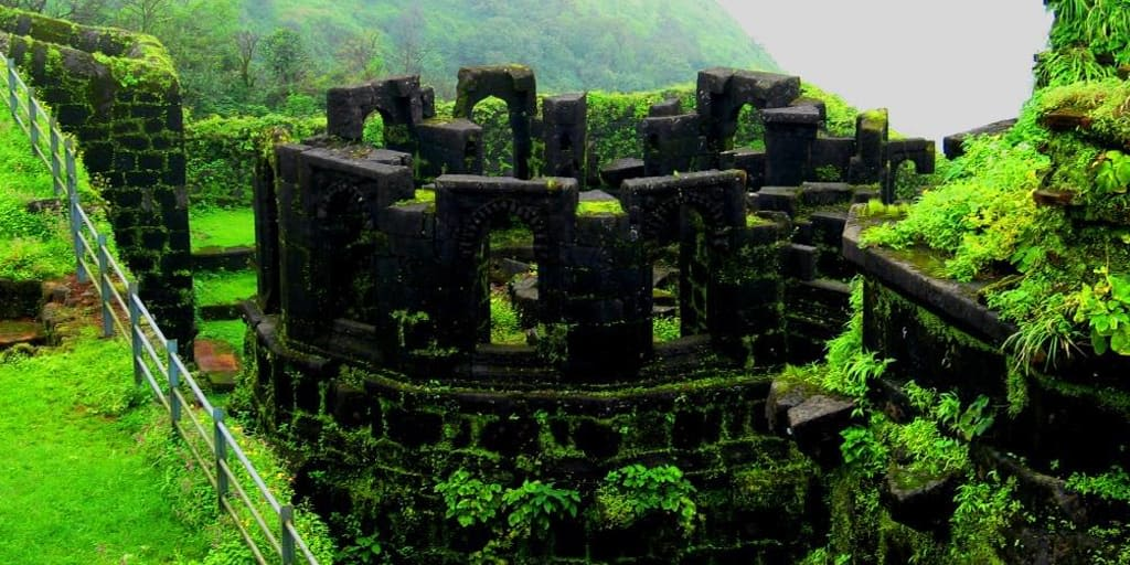 One Day Trip to Lohagad Fort Pune