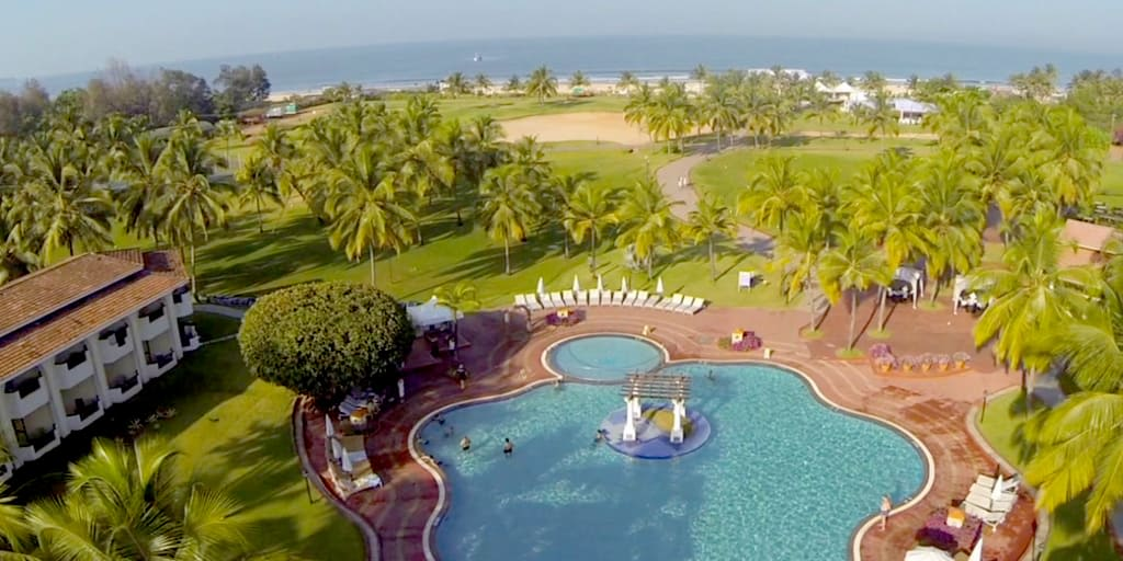 stay at holiday inn goa