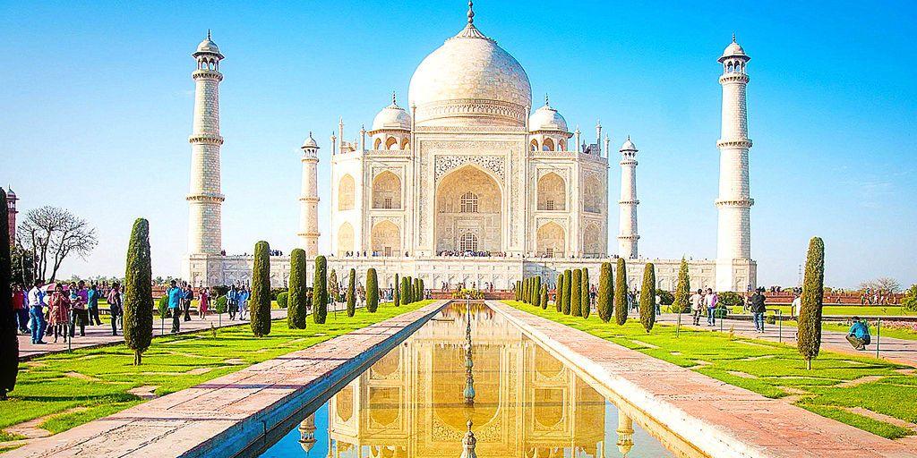 Taj Mahal, Agra Near Delhi