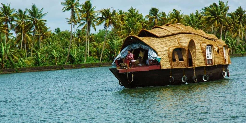 Ashtamudi Lake in Kochi