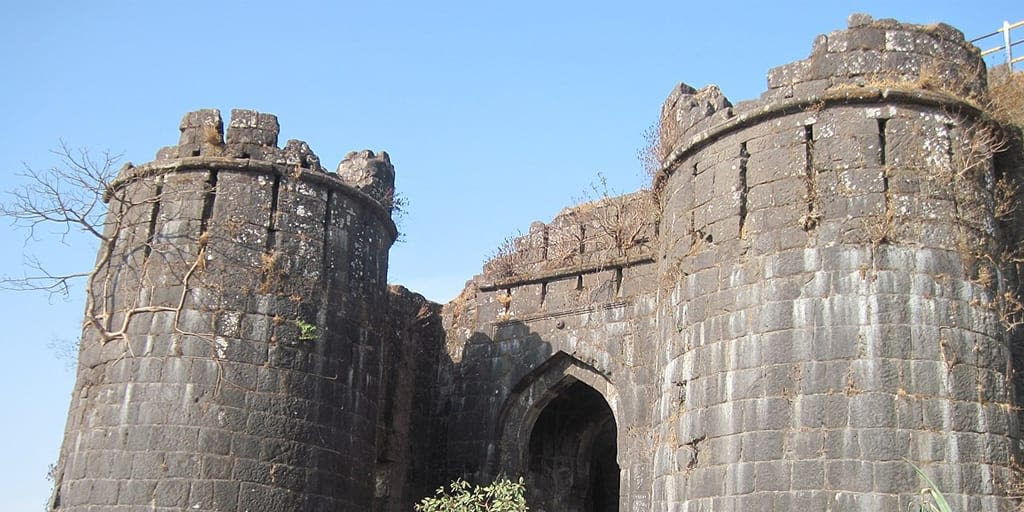 romantic places in Pune - sinhagadh fort