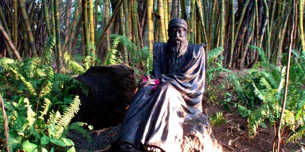 romantic places in Pune - osho gardens