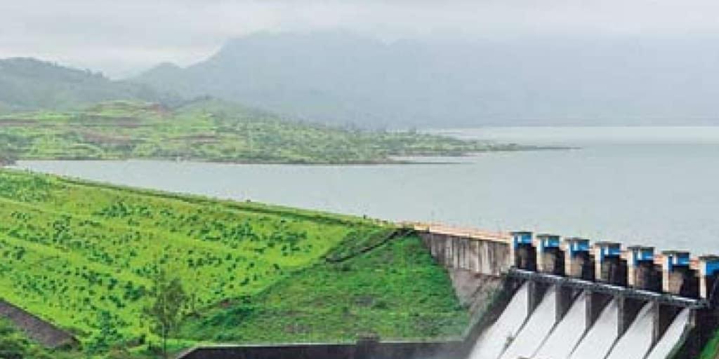 romantic places in Pune - khadakwasla dam