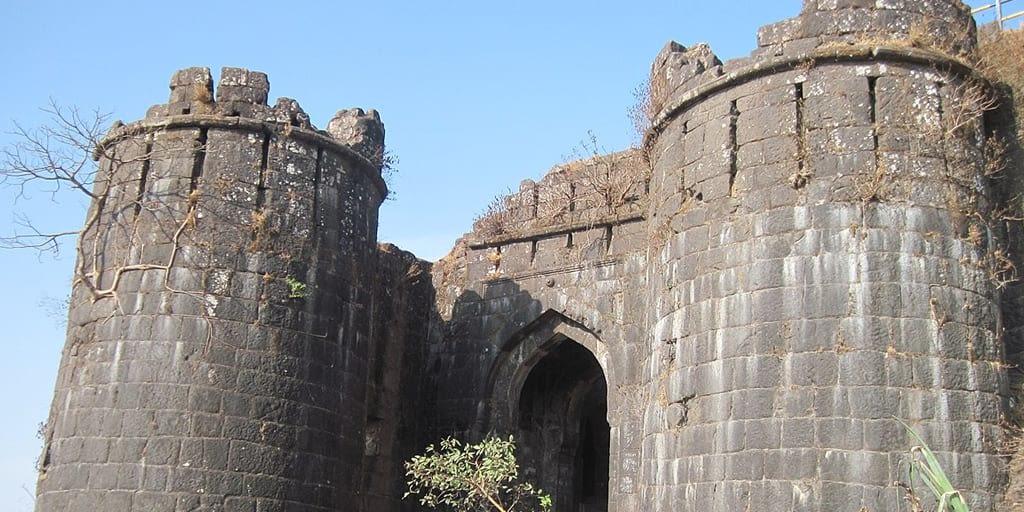 romantic places in Pune - sinhagad