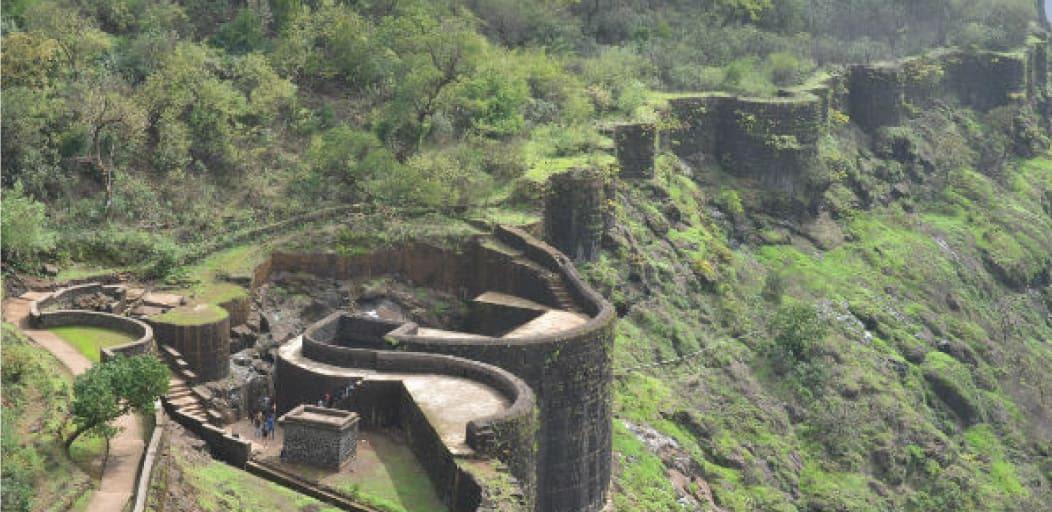 one day picnic spots near Mumbai - rajgad