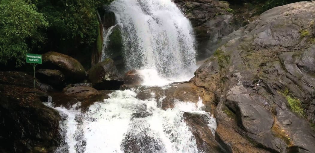 places to visit in Munnar in 1 day - lakkam waterfalls