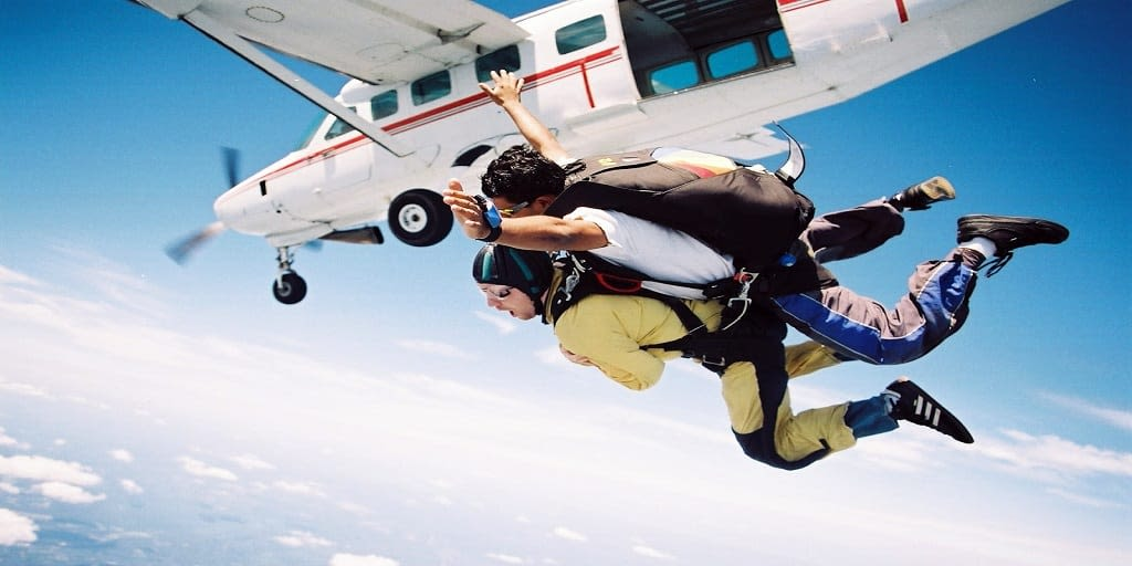 Adventure places in Mumbai - Sky diving
