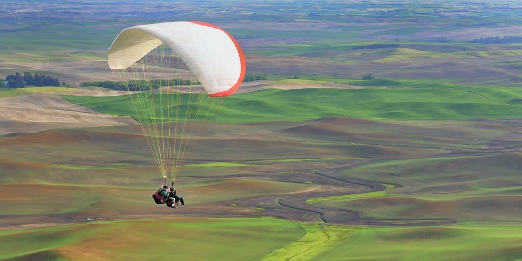Adventure places in Mumbai - Paragliding in Kamshet