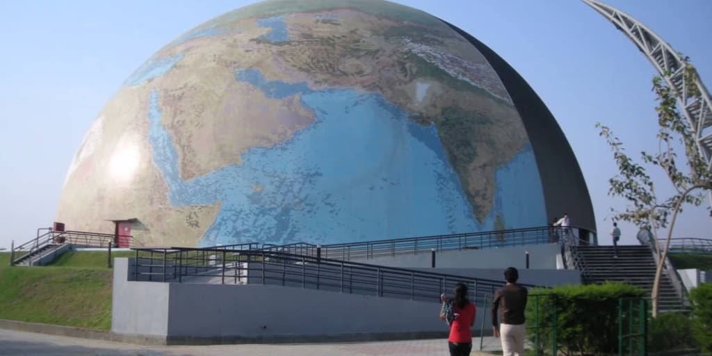 Places to visit near Ahmedabad within 50 Kms- Gujarat science city