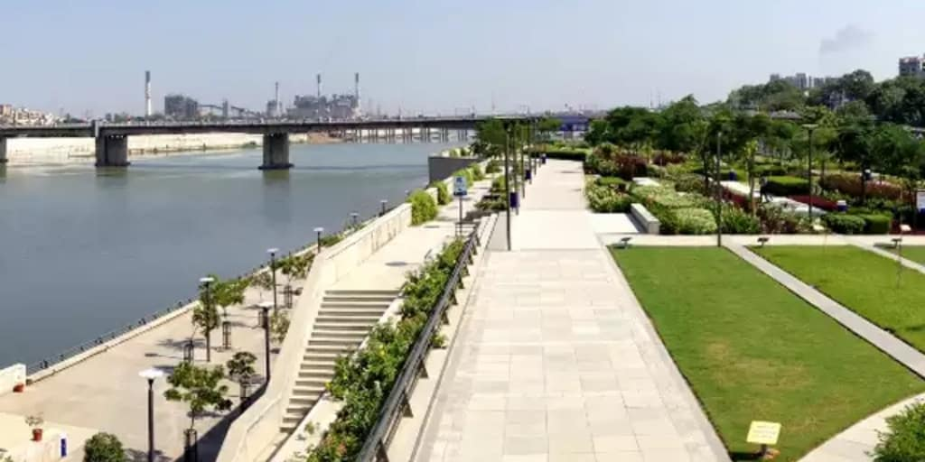 Places to visit near Ahmedabad within 50 Kms- sabarmati river front
