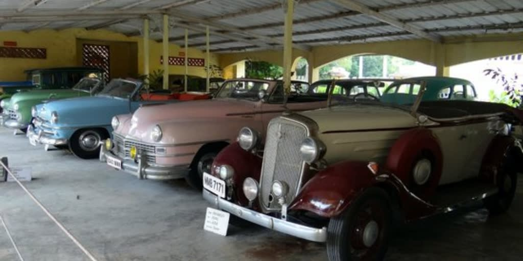 Places to visit near Ahmedabad within 50 Kms- wintage car museum