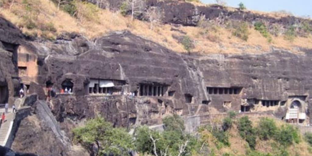 places to visit near Mumbai for 2 days-ajanta ellora caves