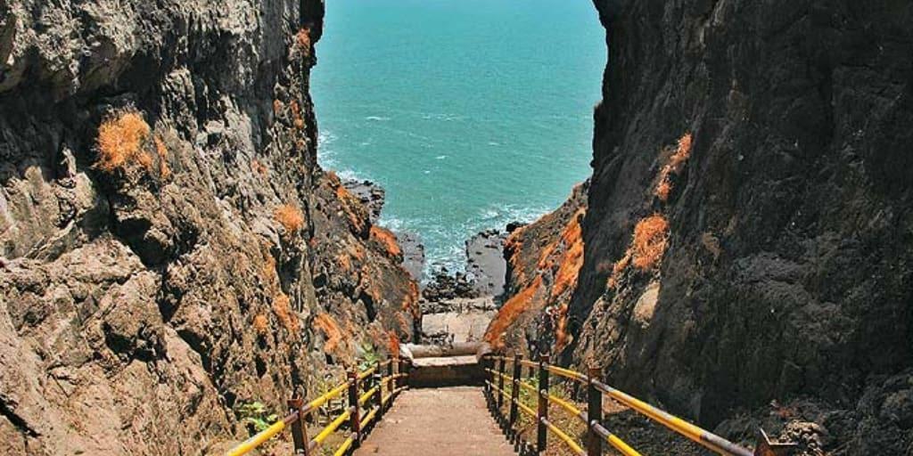 places to visit near Mumbai for 2 days-Harihareshwar