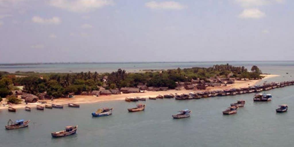 laces to visit near Mumbai for 2 days-manori